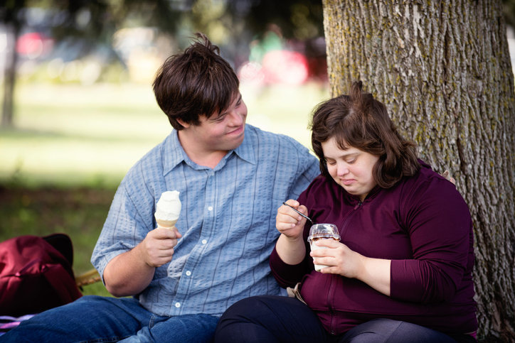 picture of a couple eating ice cream